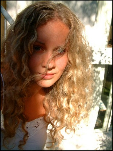 Mayu - Blonde, 3a, Long hair styles, Readers, Curly hair Hairstyle Picture