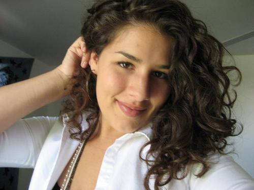 Savannah H - Brunette, 2b, Medium hair styles, Readers, Female Hairstyle Picture