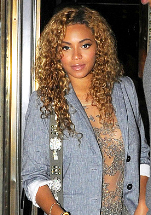 Beyonce Knowles - Celebrities, Kinky hair, Long hair styles, Female, Weave hairstyles, Hair extensions Hairstyle Picture