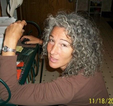 hair, Medium hair styles, Readers, Female, Curly hair, Gray hair