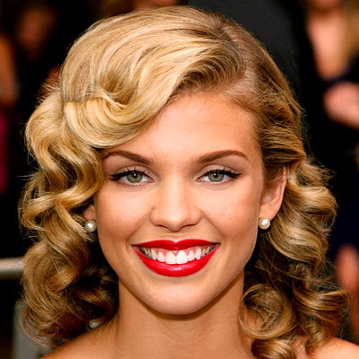 AnnaLynne McCord - Blonde, Celebrities, Wavy hair, Medium hair styles, Long hair styles, Female, Adult hair Hairstyle Picture