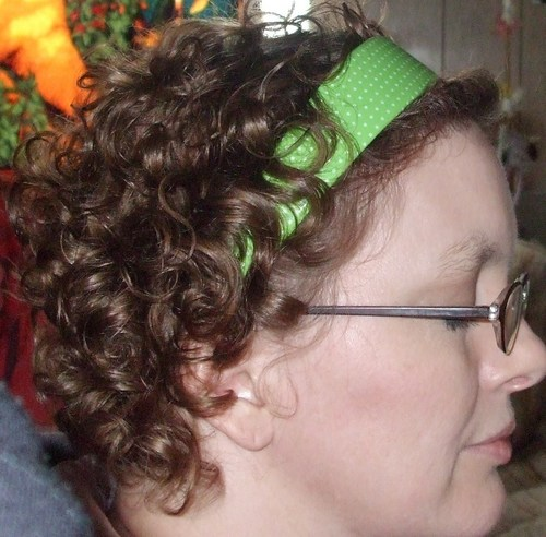 Side view of short curly do - Brunette, 3a, Short hair styles, Readers, Female, Adult hair Hairstyle Picture