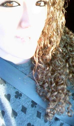 Blinding sunlight! - Brunette, Blonde, 3b, Long hair styles, Readers, Female, Curly hair, Adult hair Hairstyle Picture