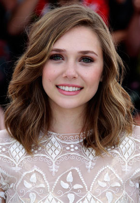 Elizabeth Olsen - Brunette, Celebrities, Wavy hair, Medium hair styles, Adult hair Hairstyle Picture