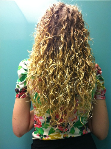 Good back curls - Blonde, 3a, Long hair styles, Readers, Female, Adult hair Hairstyle Picture