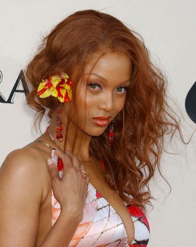 Tyra Banks - Redhead, Celebrities, Wavy hair, Long hair styles, Female, Adult hair, Weave hairstyles Hairstyle Picture