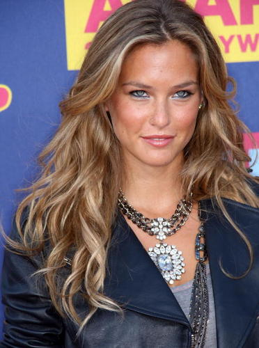 Bar Rafaeli - Blonde, Celebrities, Wavy hair, Female, Curly hair, Adult hair, Spiral curls Hairstyle Picture