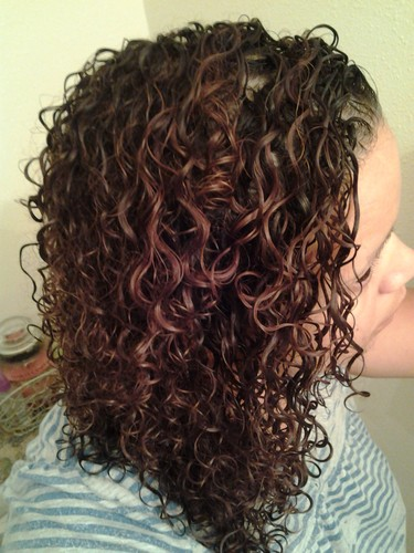 Mixed Chicks photo 2 - Brunette, 3b, Long hair styles, Female, Adult hair, Spiral curls Hairstyle Picture