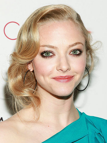 Amanda Seyfried - Blonde, Celebrities, Wavy hair, Medium hair styles, Updos, Long hair styles, Female Hairstyle Picture