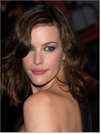Liv Tyler - Brunette, Celebrities, Wavy hair, Medium hair styles, Female Hairstyle Picture