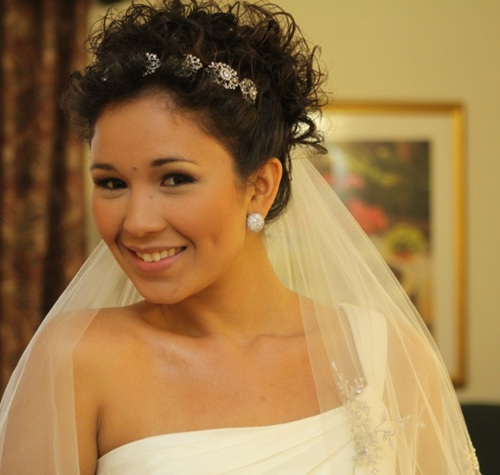 Wedding picture - Brunette, 3c, Short hair styles, Updos, Wedding hairstyles, Readers, Female, Curly hair, Black hair, Adult hair, Formal hairstyles Hairstyle Picture