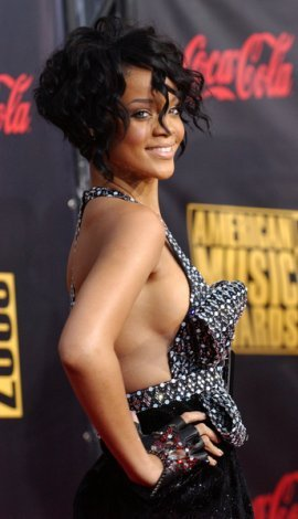 Rihanna - 3a, Celebrities, Wavy hair, Short hair styles, Special occasion, Female, Curly hair, Black hair Hairstyle Picture