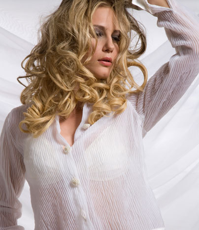 Izunami Beauty - Blonde, Wavy hair, Long hair styles, Styles, Female, Curly hair, 2c Hairstyle Picture