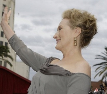 Meryl Streep - Blonde, 2b, Celebrities, Mature hair, Updos, Long hair styles, 2009 Academy Awards Hairstyle Picture
