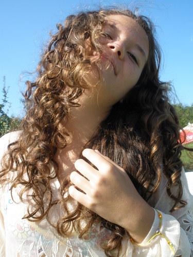 curlyyy - Brunette, 3a, Medium hair styles, Summer hair, Readers, Curly hair, Teen hair Hairstyle Picture
