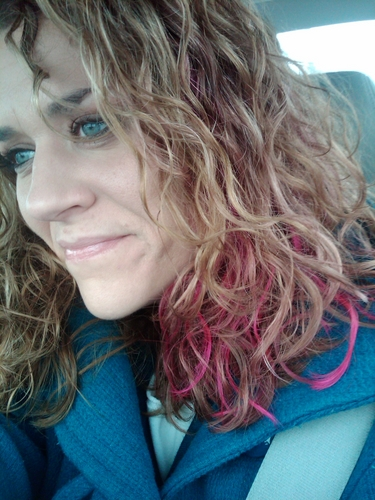 Fushia! - Blonde, 2b, Wavy hair, Medium hair styles, Readers, Female, Curly hair Hairstyle Picture