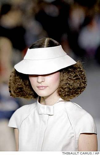 Paris Fashion Week 2009 - Brunette, 3a, Medium hair styles, Updos, Styles, Female Hairstyle Picture