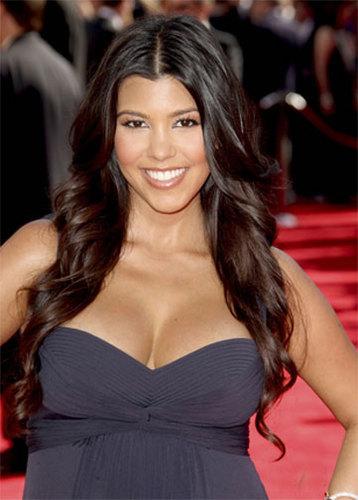 Kourtney Kardashian - Brunette, Celebrities, Wavy hair, Long hair styles, Female, 2009 Emmy Awards Hairstyle Picture