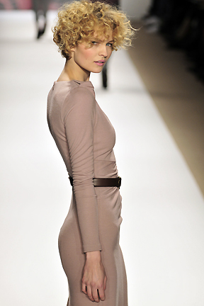 Tibi Fall 2010 - Courtesy of Run - Blonde, 3a, Short hair styles, Styles, Female, Curly hair, Adult hair Hairstyle Picture