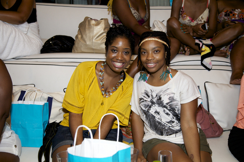 Naturals at the Curly Pool Party - Short hair styles, Medium hair styles, Kinky hair, Twist hairstyles, Female, Adult hair, Textured Tales from the Street Hairstyle Picture