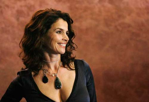 Julia Ormond - Celebrities, Wavy hair, Long hair styles, Female, Curly hair, Adult hair Hairstyle Picture