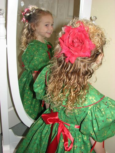 Mikaiya Christmas Hair.JPG - Readers, All Photos, 2010 Holiday Photos Hairstyle Picture