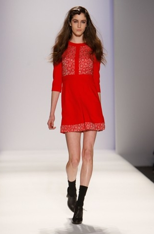 Fashion Week 09 - Verrier Collec - Brunette, Wavy hair, Long hair styles, Female, 2c, Fashion Week, Fall 2009 Collections Hairstyle Picture