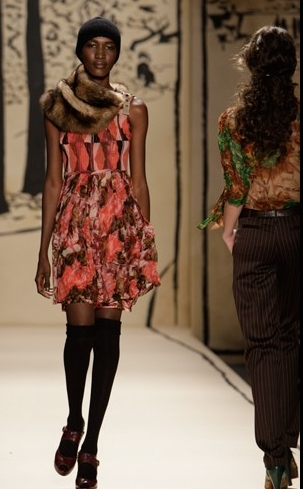 Fashion Week 09 - Tracy Reese Co - Brunette, 2b, Wavy hair, Short hair styles, Female, Curly hair, 2c, Black hair, Fashion Week, Fall 2009 Collections Hairstyle Picture
