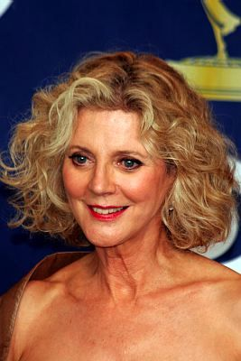 Blythe Danner - Blonde, 2b, Celebrities, Wavy hair, Mature hair, Medium hair styles Hairstyle Picture
