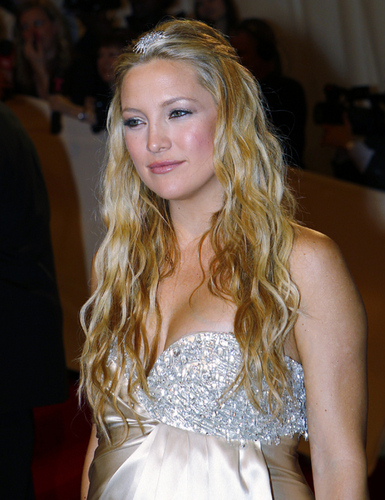 Kate Hudson - Blonde, 2b, Celebrities, Wavy hair, Long hair styles, Styles, Female, Adult hair Hairstyle Picture